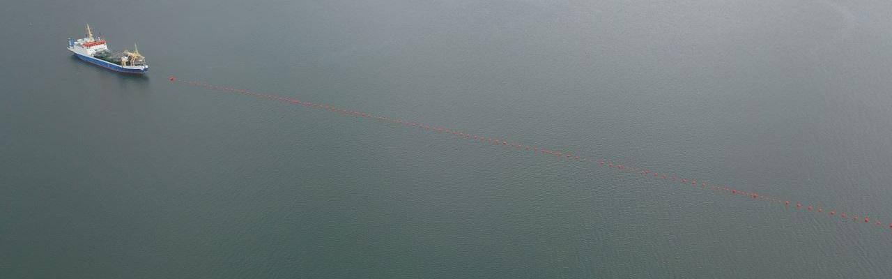 """Bendrovė """"Elering"""" tiesia dar vieną 110 kilo voltų """"Prysmian"""" povandeninį kabelį tarp Suur Väin (Didžiojo) sąsiaurio žemyninės dalies ir Muhu salos"""